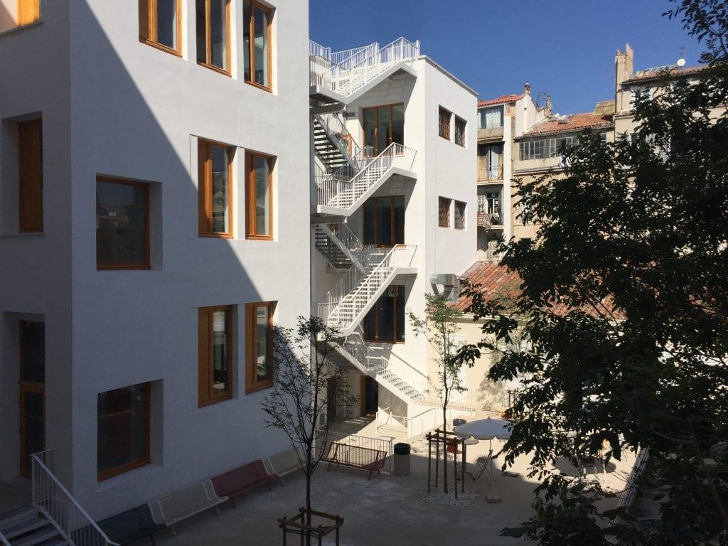 cour intérieure du Lycée Charles Péguy à Marseille