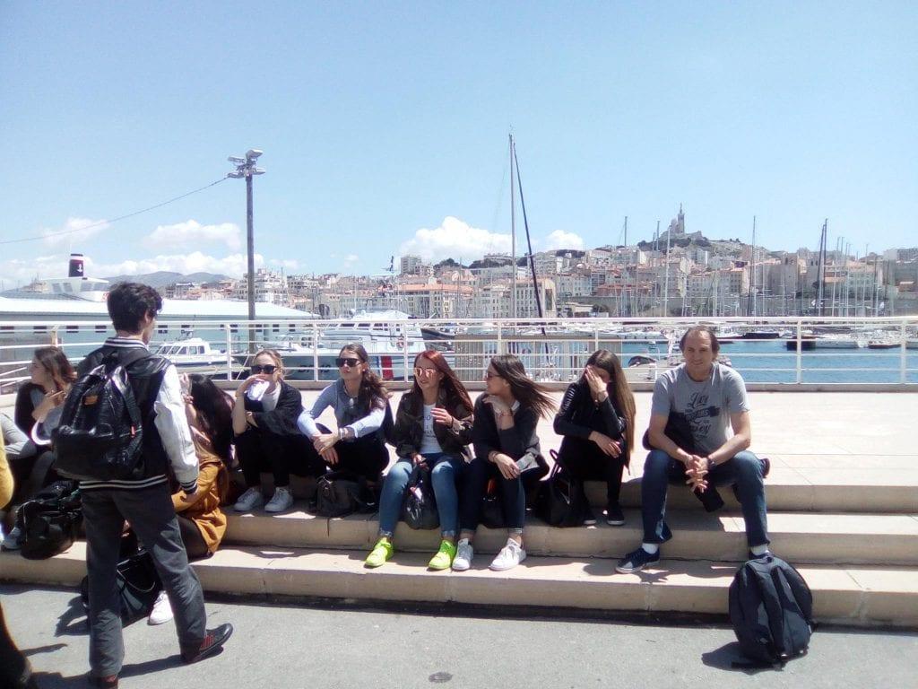 Les élèves de Seconde B sur le Vieux-Port