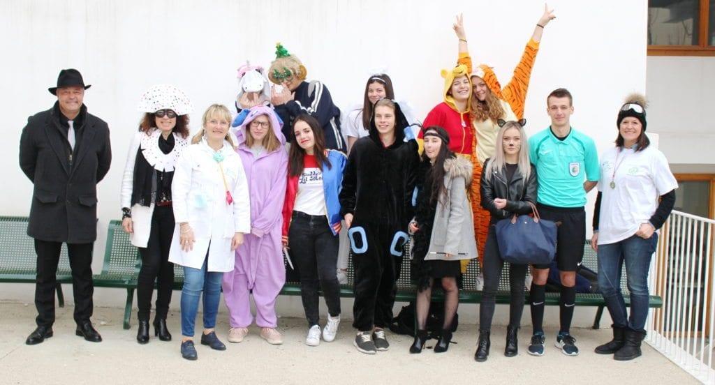 Photo de quelques élèves déguisés