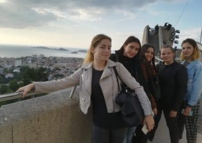 Les MC AR posent sur la terrasse de Notre Dame de la Garde
