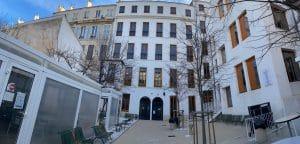 Vue de la cour du bas du Lycée Charles Péguy à Marseille